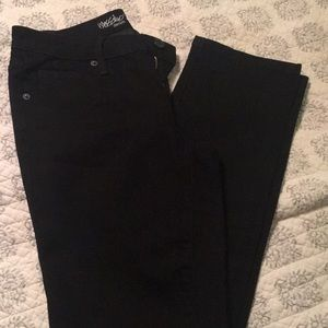 Mossimo Black Jeans. Mid-rise Straight. Size 6.